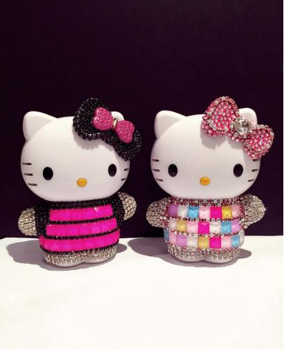 Cute Rhinestones HelloKitty 12,000mAh Small Portable Charger Power Bank For Cell Phone