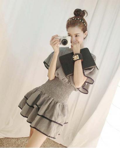 Slim Shaped Short Sleeve Princess Dress